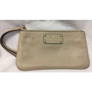 Kate Spade Pebble Leather Beige wristlet Handbag
